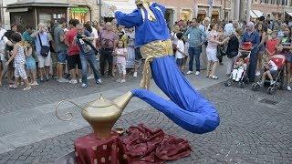 Download अपनी जान को हथेली में लेकर कैसे चलते लोग  | The Most Amazing Street Performers in the World Mp3 and Videos