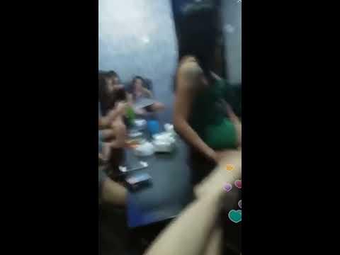 "Iseng video temen  "" keliatan ""di karaoke thumbnail"