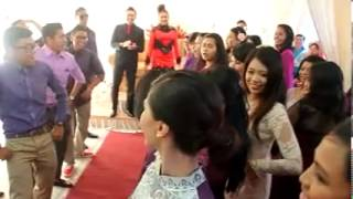 BEST WEDDING DANCE FlashMob @ Malay Wedding Celebration :) Awesome!