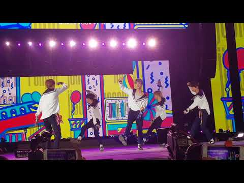 NCT Dream - Chewing Gum - live in Dubai
