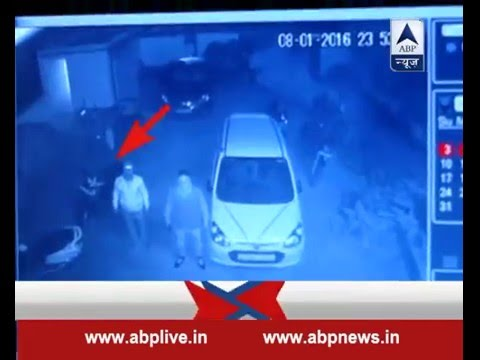 Hajipur: CCTV footage shows goons open fire at a famous clinic