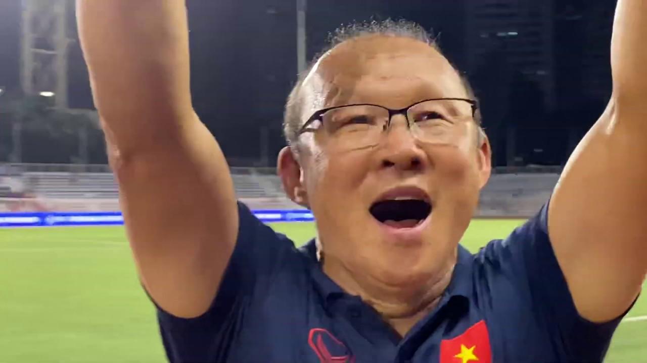 HLV Park Hang Seo khóc tri ân cđv việt nam sau trận thắng u22 indonesia - Đỗ Kim phúc bóng đá