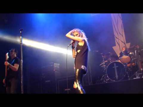 Pretty Reckless - Goin' Down LIVE HD (2013) Los Angeles House Of Blues