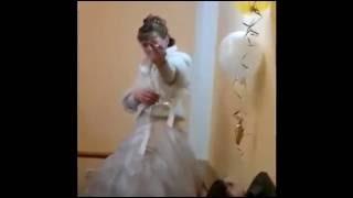 Пьяная невеста показала свекру  задницу!!!  Свекр  и невеста подрались