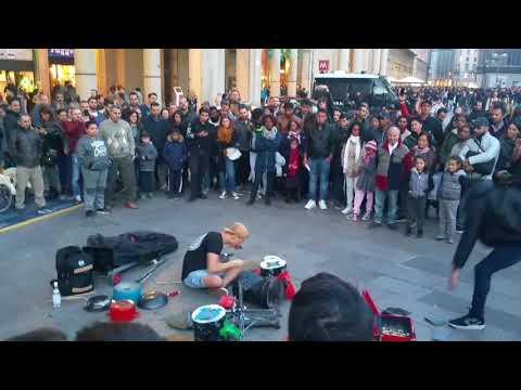 Damat Street Techno in Milan Percusión