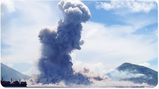 Papua New Guinea Mount Tavurvur Eruption (UP CLOSE and EXTENDED)