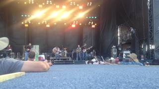 Diamond Rio - Meet In The Middle (Country Thunder 2015)