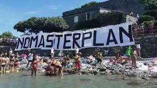 Portovenere, un flash mob contro la cementificazione della Palmaria