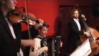A La Gran Muñeca Tango argentino milonga live music
