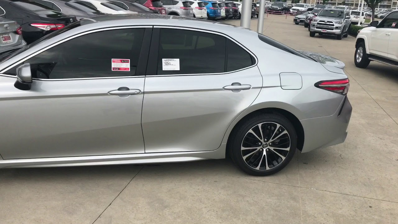 2018 Camry SE silver-TB - YouTube