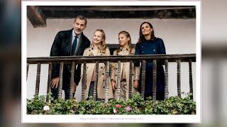 Los Reyes Felipe y Letizia felicitan las navidades junto a sus hijas