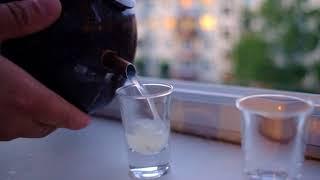 Как открыть вьетнамскую кокосовую водку. Твою мать, это работает!