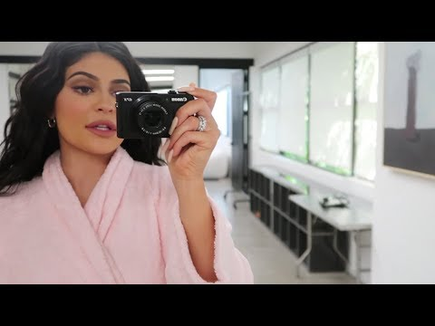 Tracy Lynn - Kylie Jenner: A Day In The Life Of