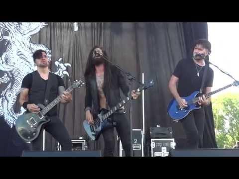 Pop evil Torn to Pieces - live Rock USA 07 / 17 / 2015 Oshkosh Wisconsin