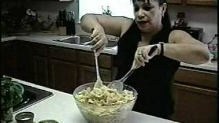 Bowtie Pasta With Cream Cheese Chicken.mpg