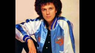 Watch Leo Sayer You Make Me Feel Like Dancing video