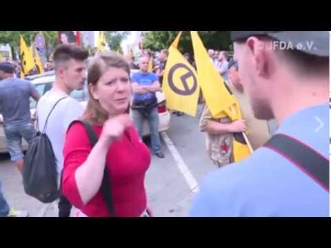 Schnitzelsemmel  -  Sandrea bei den Identitären in Berlin am 17 6 2017
