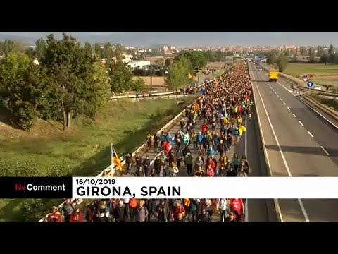شاهد: مسيرات عارمة في إقليم كتالونيا وسط دعوات للإضراب  - نشر قبل 3 ساعة