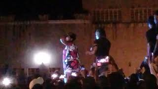 Timmy t-dat:pwani university girl twerks in front of Timmy.
