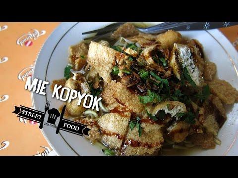 STREET FOOD INDONESIA MIE KOPYOK SEMARANG
