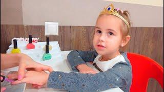Развлечения для детей Алина играет в Минополисе! Детские ролевые игры  Roleplay  Pretend Play
