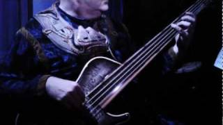 Fretless bass sample using my Brubaker bass - Cirque bassist Darrell Craig Harris