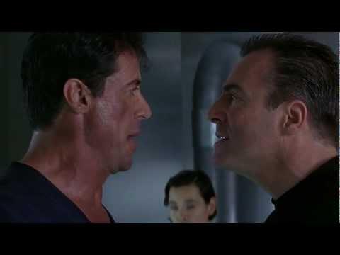 (HD) Judge Dredd - YOU BETRAYED THE LAW!!!!