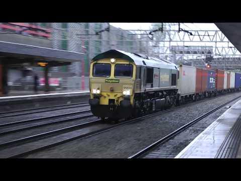 66534,nb Southampton Trafford Park liner on throu road Stafford 2'5'18