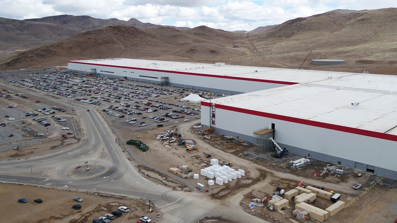 Tesla Gigafactory April 2018 Scaling Up The Largest Battery Factory In The World Youtube