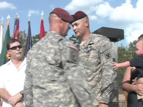 Distinguished Service Cross Awarded to Fort Benning Soldier