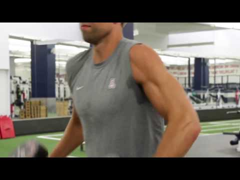 Matt Grevers Curls 60 Pounders for Reps