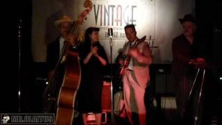 Starliters & Rockin Bonnie - I wanna make love - Live at Bitte (February 2012)