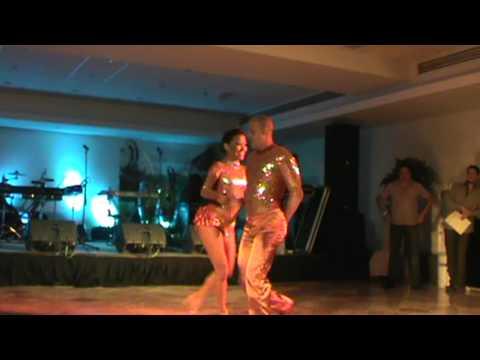 "SALSA CASINO - HABANA CARACAS - Pareja Profesional ""Hilder y Lucymar"" Cancún 2012.MPG"