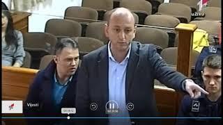 "Milan Knežević ,,nokautira"" Suzanu, Katnića i Sinđelića"