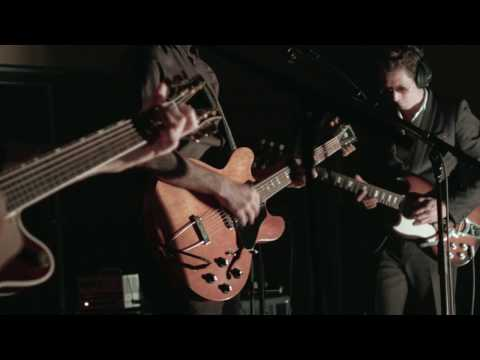Antony Left - Petals | No Ar | Antena 3 from YouTube · Duration:  3 minutes 12 seconds