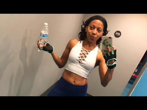 LIVE | Currently Sweating OUT My Curls and Re-twist (+ CHITCHAT)  #workoutlife 🏋️♀️