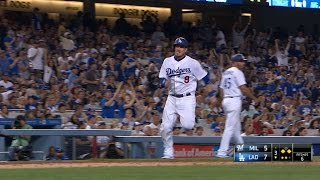 MIL@LAD: Dodgers score six runs on five hits in 3rd