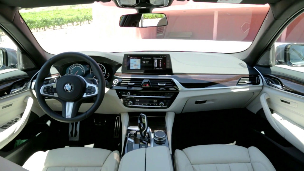 Bmw s rie 5 2017 int rieur et coffre officiel youtube for Serie 1 interieur