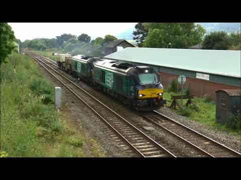 Nuclear Flasks pass Abergavenny with 68003/018 and more..