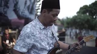 Download [LIVE] Ambilkan Gelas - Shaggydog