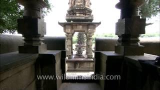 Nandi in front of Kashi Vishweshwar, Wai