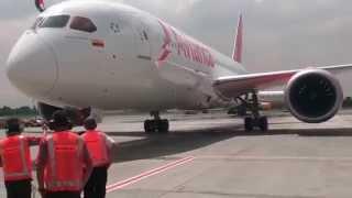Arrival Boeing 787-8 Dreamliner Avianca to Bogota