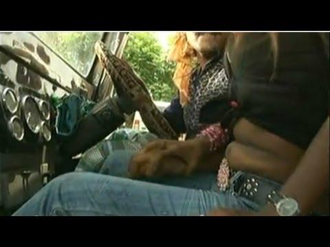 Suna Ae Kareja (Hot Bhojpuri Video Song) - Madam Maaza Mangeli