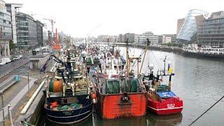 Fishermen take protest to Dublin