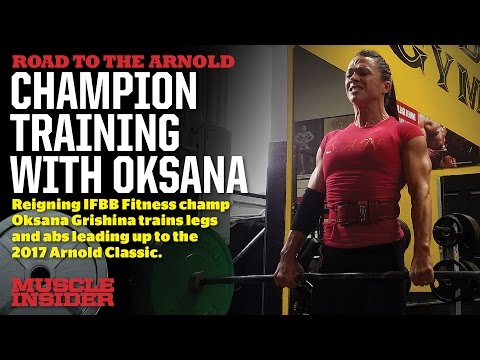 Oksana Grishina trains legs and abs 10 days out
