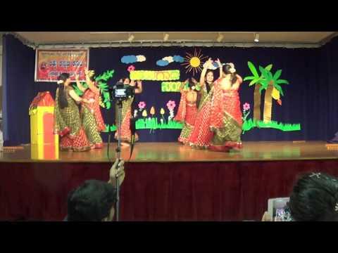 Ladies dance  - Gilli Gilli Gilak