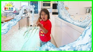 Ryan Pretend Play Indoor Swimming Pool with Aquaman Trident!!!