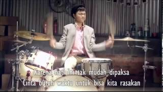 Vierratale - Cinta Butuh Waktu ( SONG LYRICS ON SC
