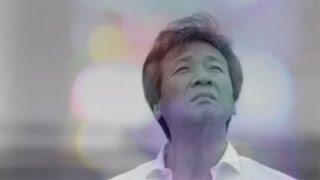 息子でシンガーソングライターの紘毅氏が楽曲を提供。初の親子共演とな...