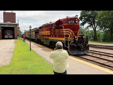 Riding The Conway Scenic Railroad North Conway - Barlett New Hampshire